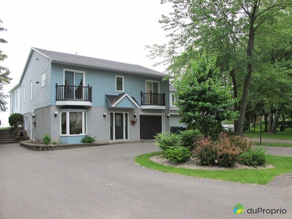 maison vendu ste marthe sur le lac immobilier qu bec duproprio 340402. Black Bedroom Furniture Sets. Home Design Ideas