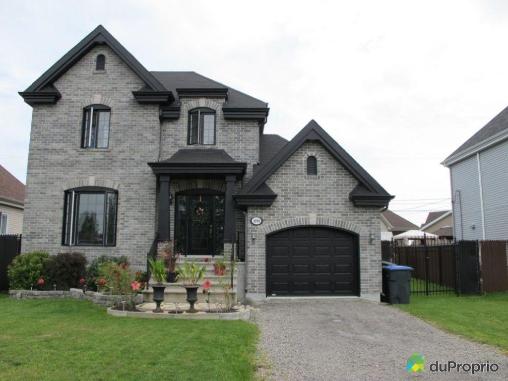 maison vendu ste marthe sur le lac immobilier qu bec duproprio 452705. Black Bedroom Furniture Sets. Home Design Ideas