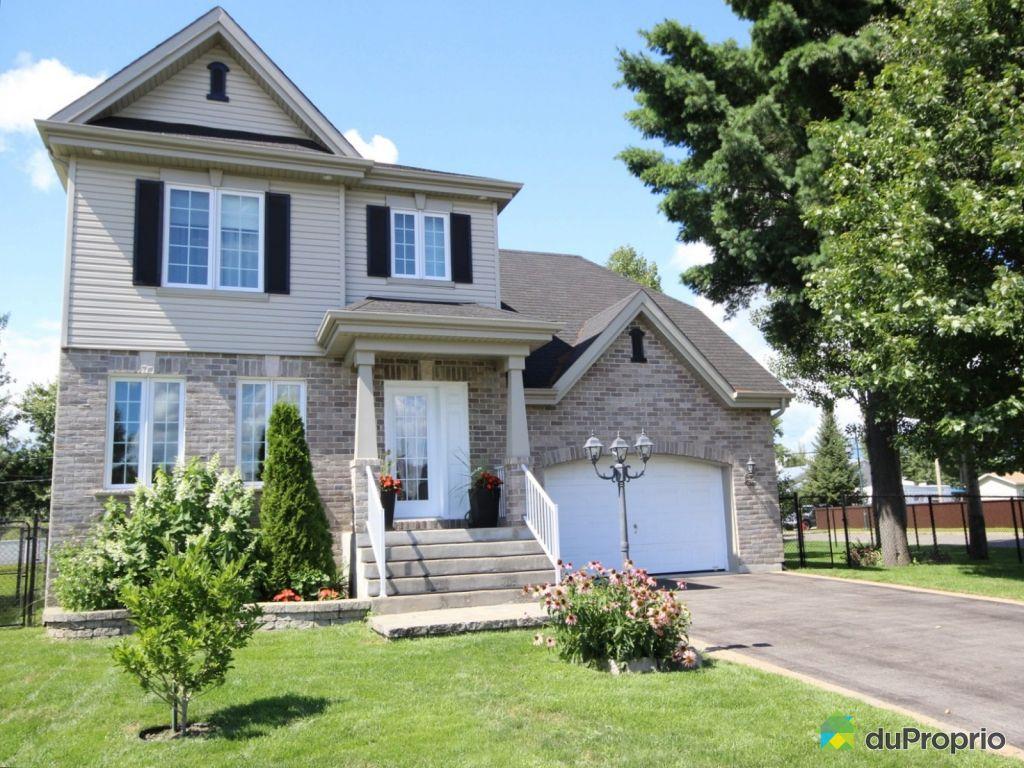 Maison vendre terrebonne 2550 rue du cardinal for Achat maison neuve terrebonne