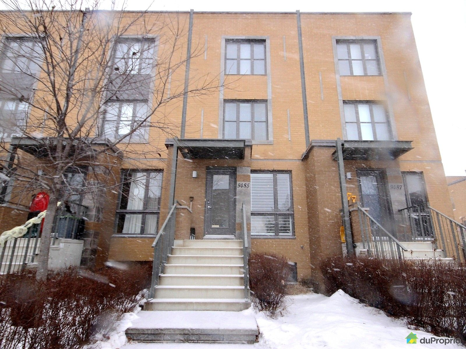 Maison vendre montr al 9485 rue rousseau immobilier for Piscine hochelaga