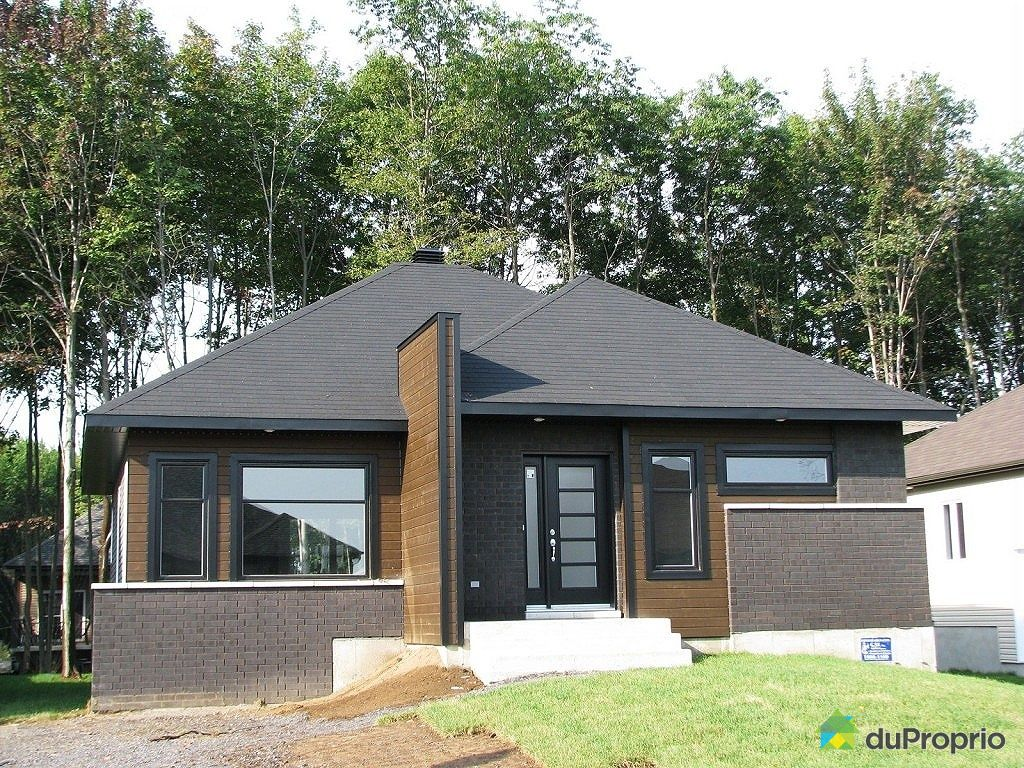 maison neuve vendu l 39 assomption immobilier qu bec. Black Bedroom Furniture Sets. Home Design Ideas