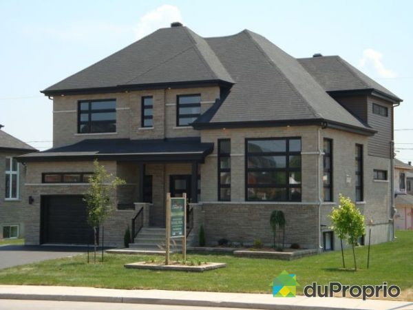 Maison neuve vendu st bruno de montarville immobilier for Photo maison neuve