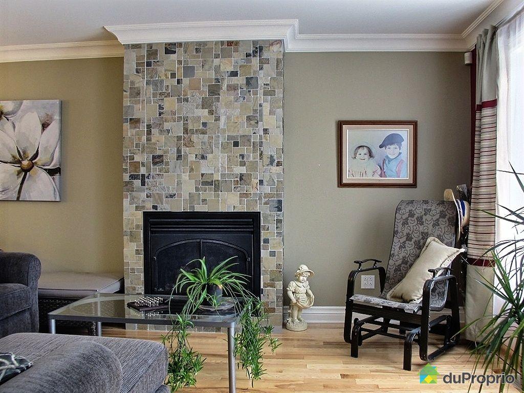 Maison vendre berthierville 300 rue g n reux - Decoration foyer salon ...