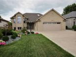 2 Storey in Belle River, Essex / Windsor / Kent / Lambton