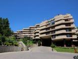 Condominium in Crescent Heights, Calgary - NE