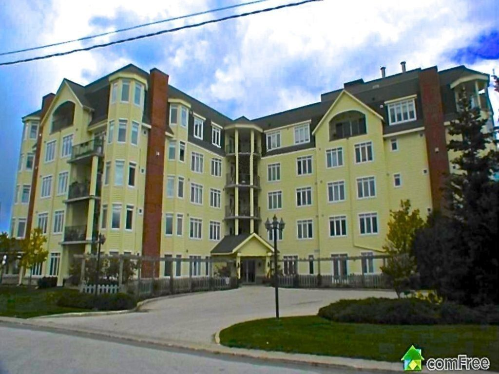 condo sold in thornbury comfree 464500