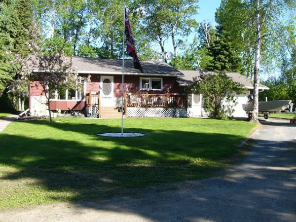 Cottage sold in falcon lake comfree 243412 for Cottage packages manitoba