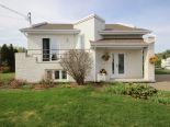 Raised Bungalow in Alma, Saguenay-Lac-Saint-Jean via owner
