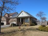 Bungalow in Beamsville, Hamilton / Burlington / Niagara