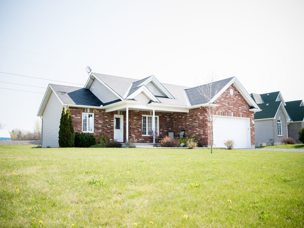 house sold in bourget comfree 701881