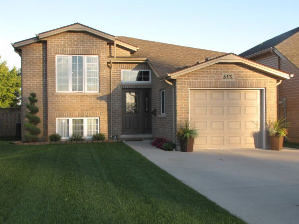 raised bungalow sold in chatham comfree 692625