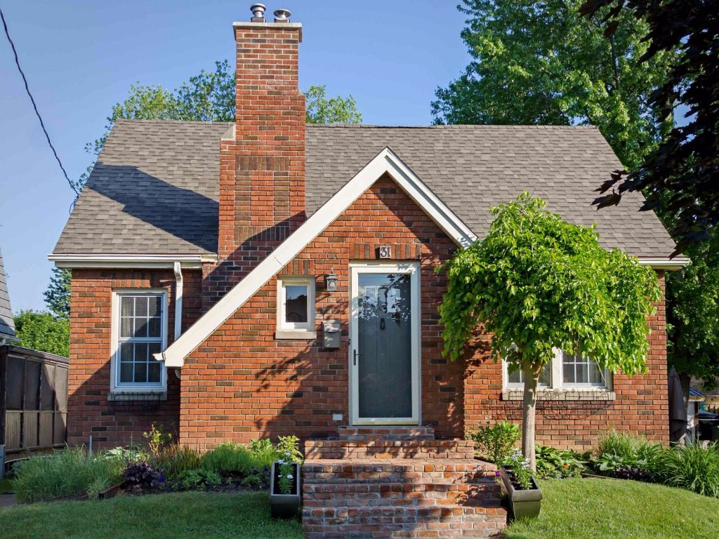 house for sale in chatham 31 gladstone avenue comfree 706643