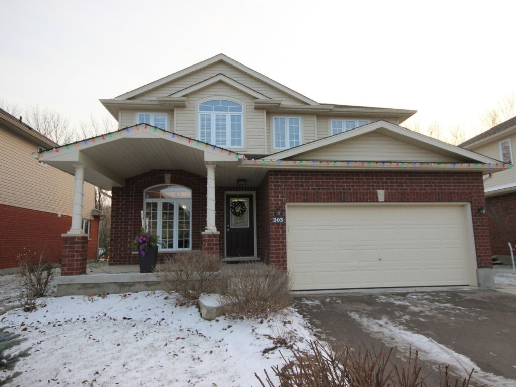 house sold in elmira comfree 571182