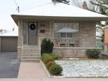 Bungalow in Etobicoke, Toronto / York Region / Durham