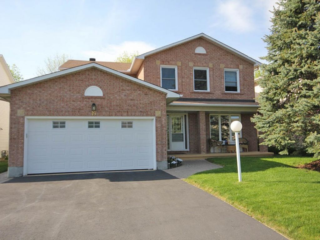 house sold in kanata comfree 370915