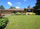 Bungalow in King City, Toronto / York Region / Durham