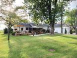Bungalow in Kingsville, Essex / Windsor / Kent / Lambton