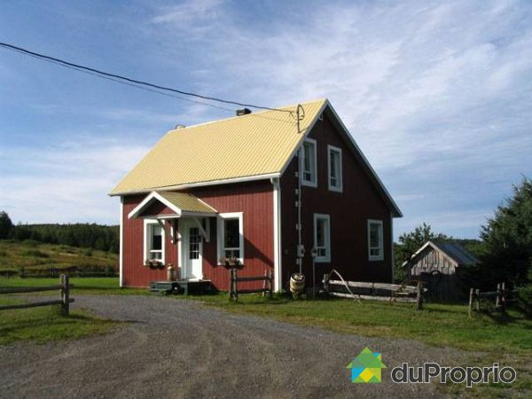 Maison a vendre a lac au saumon proprietes etangs a for Acheter une maison au quebec
