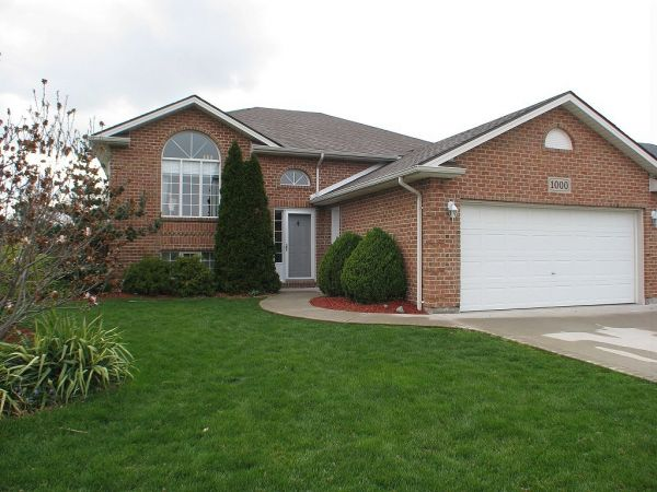 raised bungalow sold in lakeshore comfree 322234