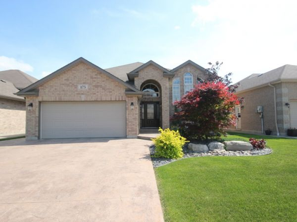 raised bungalow sold in lakeshore comfree 612098