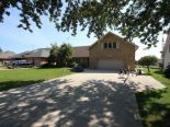 Bungalow in Lakeshore, Essex / Windsor / Kent / Lambton