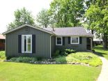 Bungalow in Lakeside, London / Elgin / Middlesex