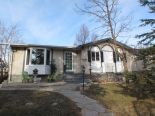 Bungalow in Mission Gardens, Winnipeg - North East