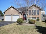 Bungalow in Mount Albert, Toronto / York Region / Durham