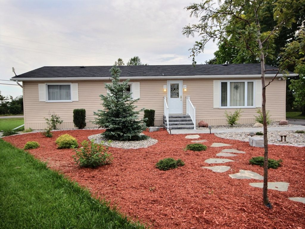 house sold in napanee
