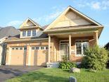 Bungalow in Oshawa, Toronto / York Region / Durham