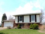 Raised Bungalow in Plympton-Wyoming, Essex / Windsor / Kent / Lambton