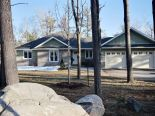 Bungalow in Quinte West, Kingston / Pr Edward Co / Belleville / Brockville