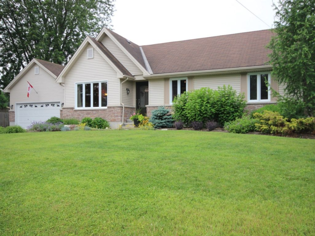 house sold in russell comfree 625750