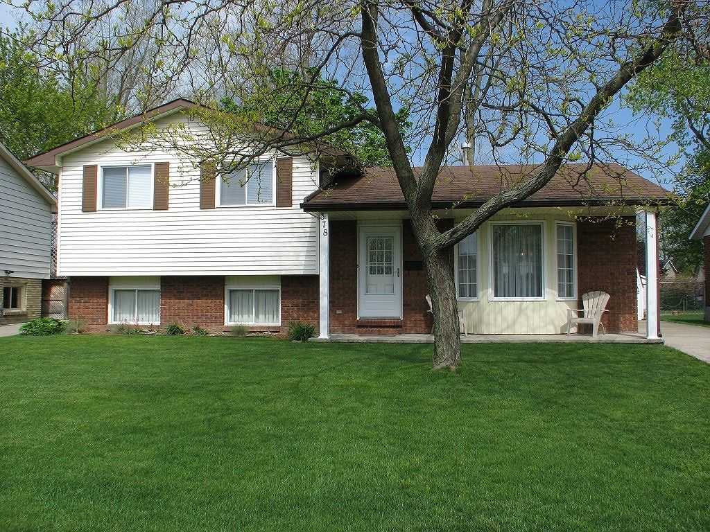 house sold in sarnia comfree 331905