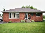 Bungalow in Scarborough, Toronto / York Region / Durham