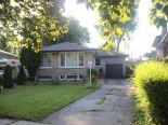 Bungalow in Scarborough, Toronto / York Region / Durham
