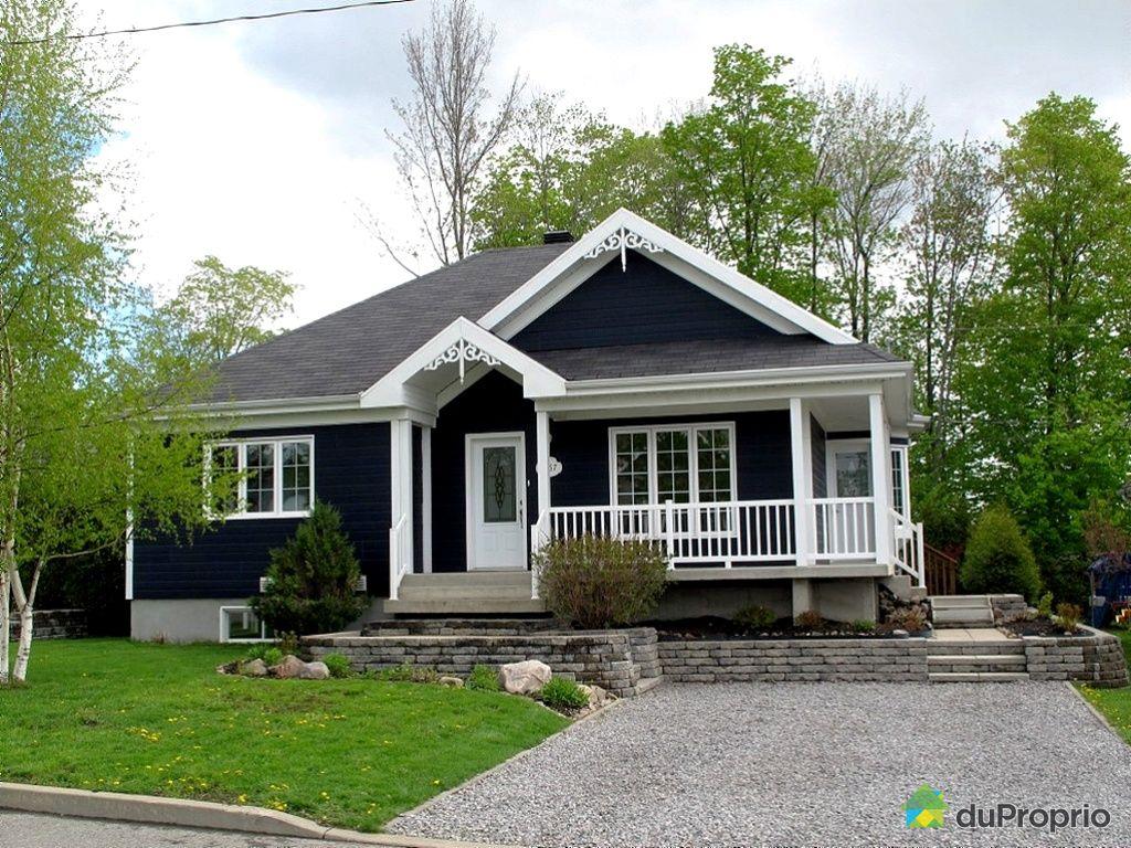 house sold in st mile duproprio 426861. Black Bedroom Furniture Sets. Home Design Ideas