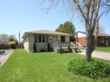 Raised Bungalow in St. Thomas, London / Elgin / Middlesex
