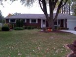 Bungalow in Tecumseh, Essex / Windsor / Kent / Lambton