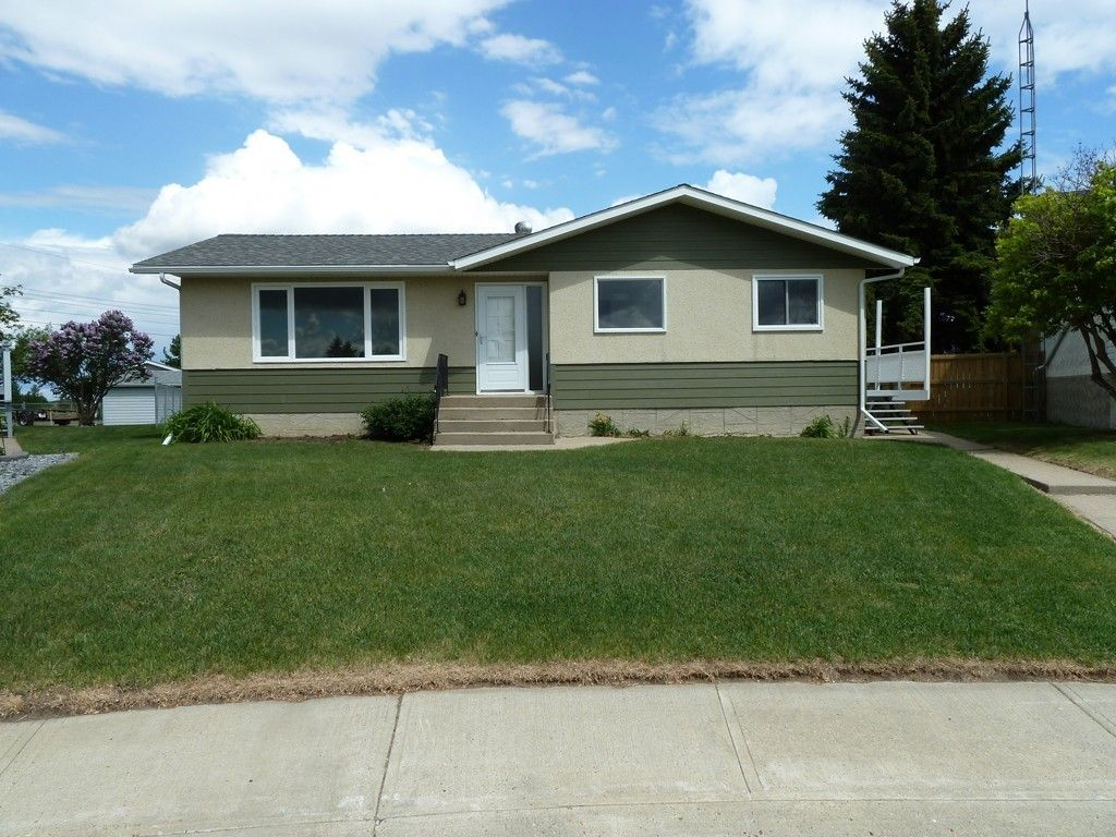 house sold in vegreville comfree 438552