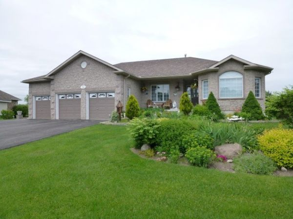 wasaga beach for sale  comfree, Beach House/