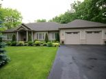 Bungalow in Wasaga Beach, Barrie / Muskoka / Georgian Bay / Haliburton
