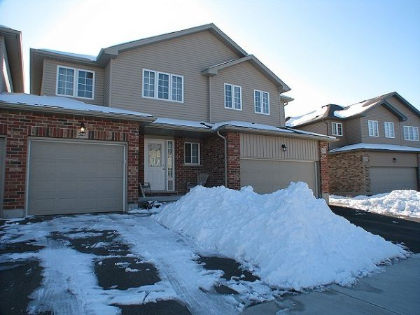 house sold in waterloo comfree 239597