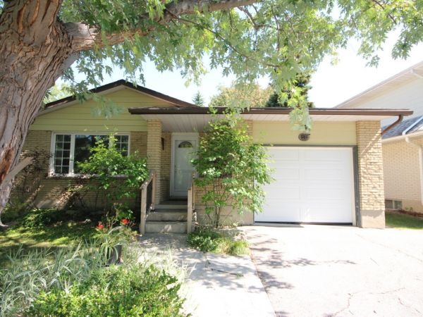 house sold in waterloo comfree 641592