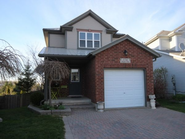house sold in waterloo comfree 699337