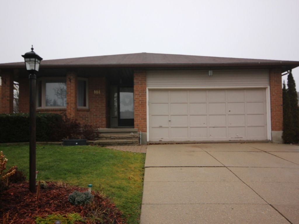 house sold in waterloo comfree 676767