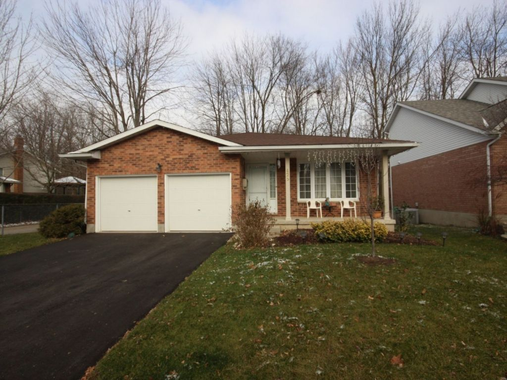 backsplit for sale in waterloo 425 northlake drive