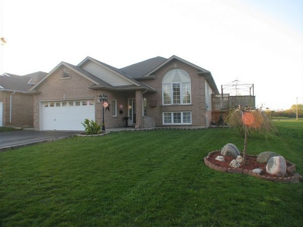 raised bungalow sold in welland