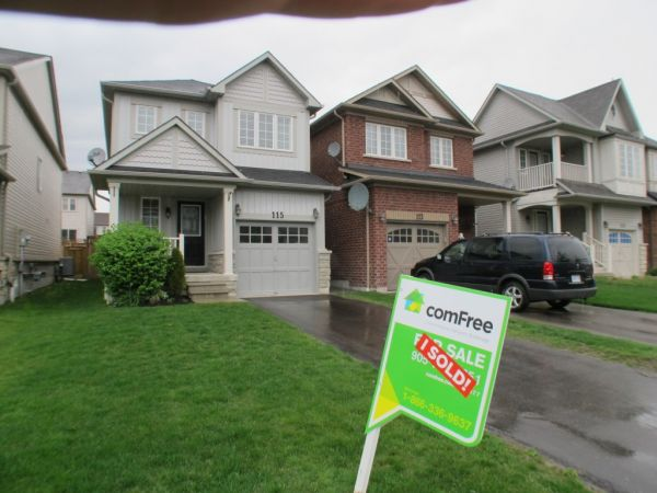 house sold in whitby comfree 328377