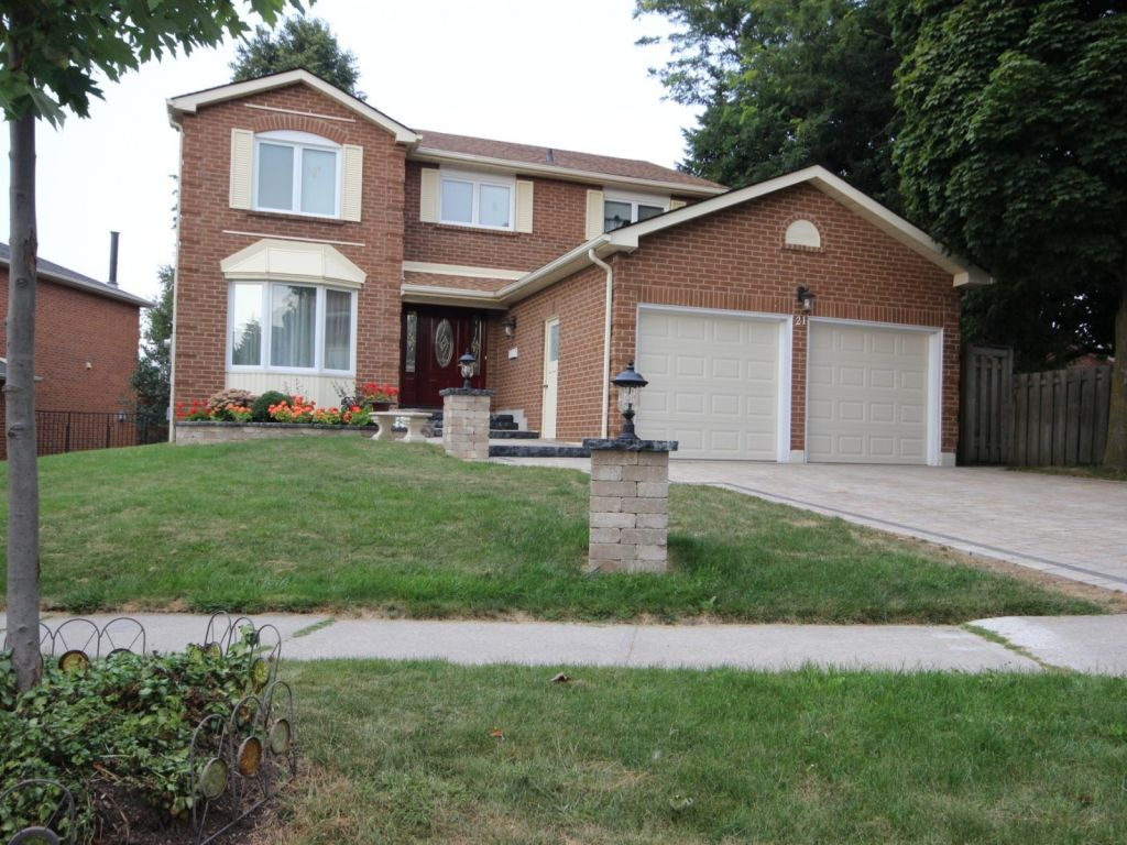 house sold in whitby comfree 639116